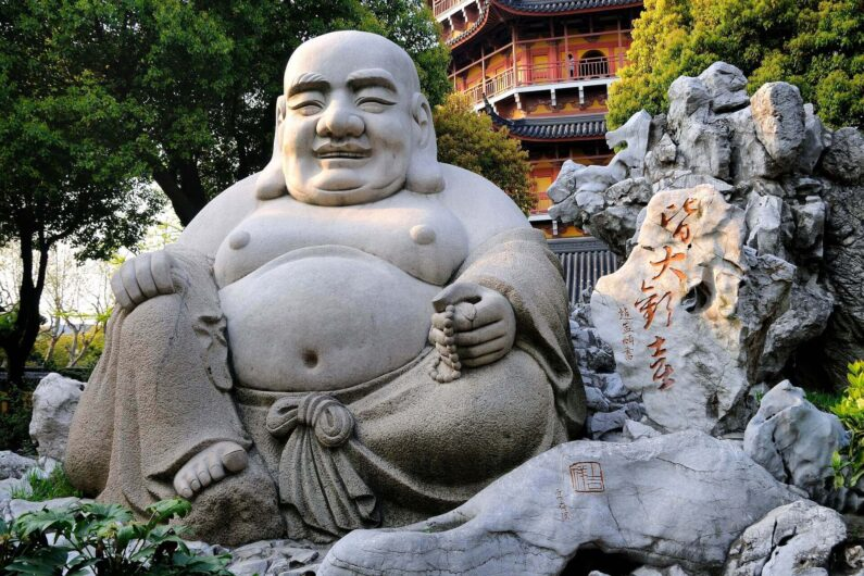 laughing-buddha-1876038_1920-795x530
